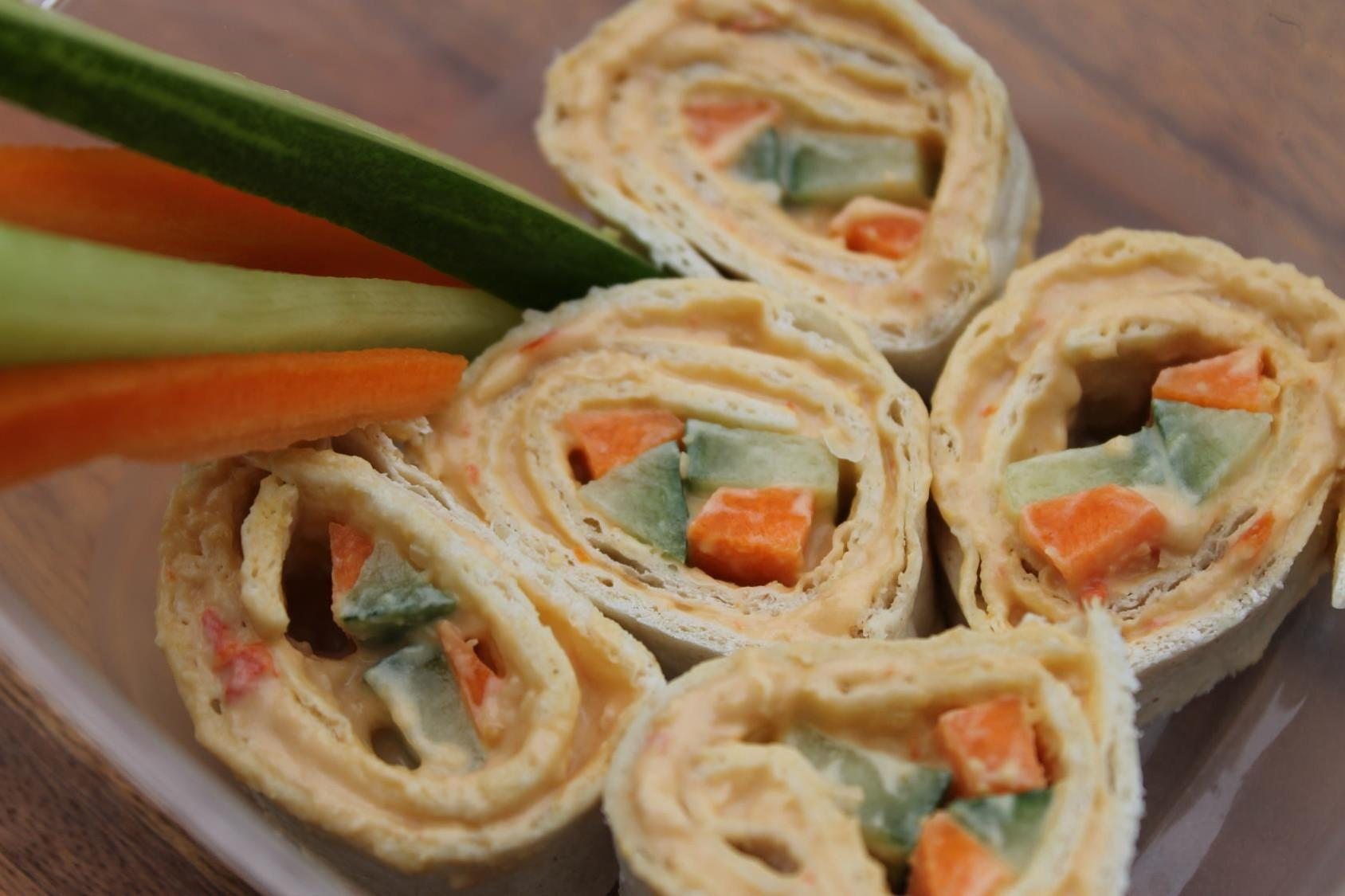 red pepper hummus sushi rolls