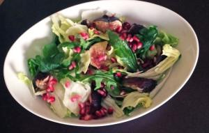 Fig & Pomegranate Green Salad