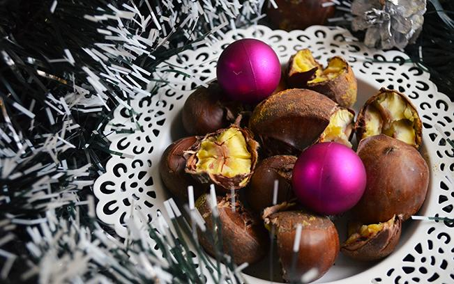 festive-roasted-chestnuts