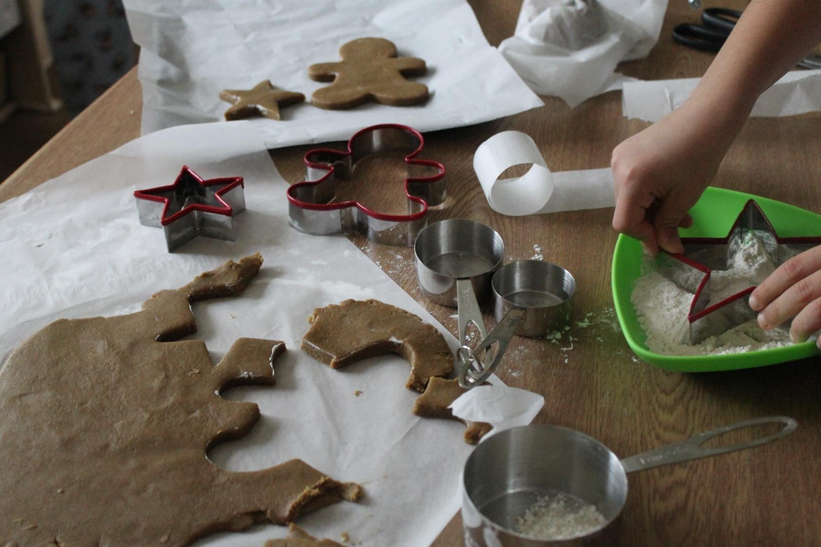 gingerbread men preparation