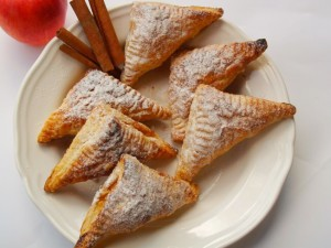 Homemade Yummy Apple Pie Triangles