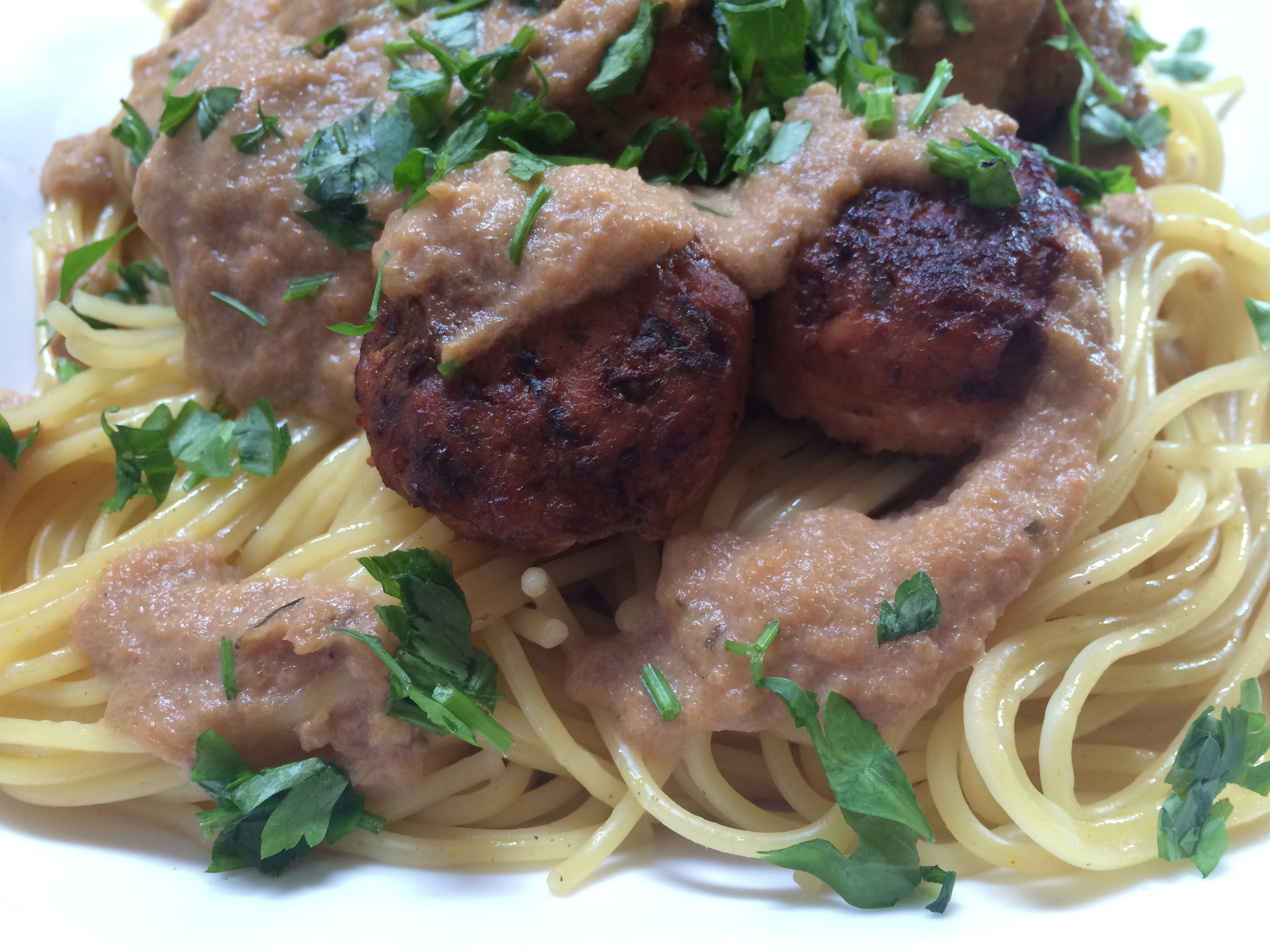 Chicken Meatballs & Cauliflower Alfredo Spaghetti