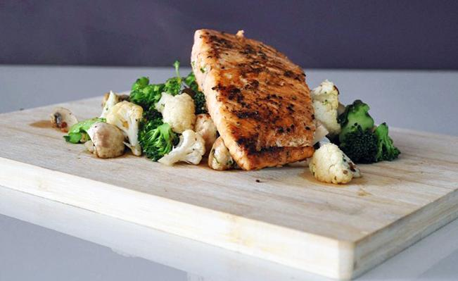 Simple Grilled Salmon & Mixed Veggies