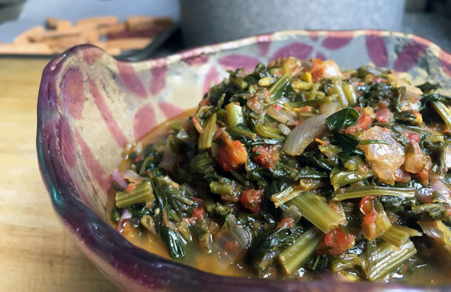 Quick Spinach with Tomatoes & Herbs