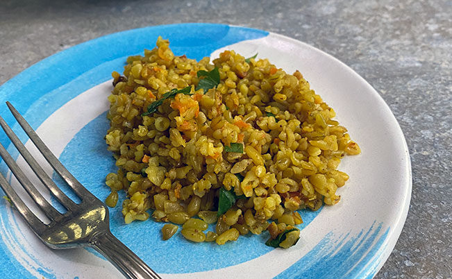 Everyday Freekeh with Onions & Carrots
